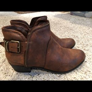 NEW women's brown ankle boots size 8